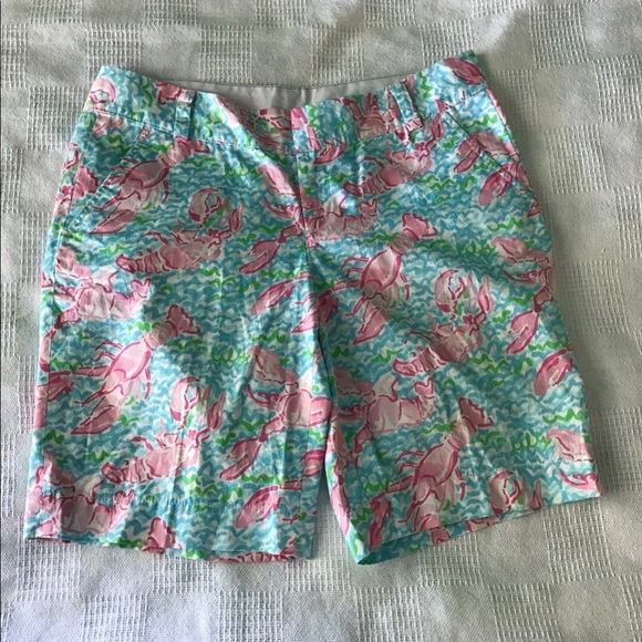 Lilly Pulitzer Pants - Lilly Pulitzer Chipper Shorts in Lobster Roll